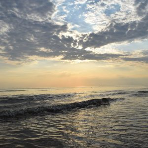 beautiful-sandy-beaches-only-10-minutes